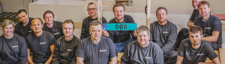 Ansatte hos Knudsen Dørfabrikk AS