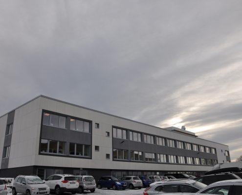 DSC 9163 495x400 - Færder Kommune - malte dører i kontorbygg